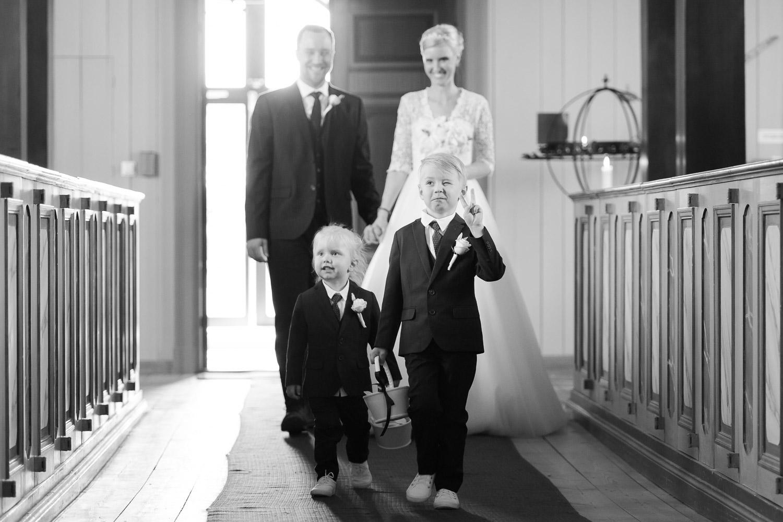 bröllopsfotograf sörmland mariefreds kyrka
